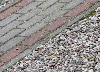 tegels in de tuin