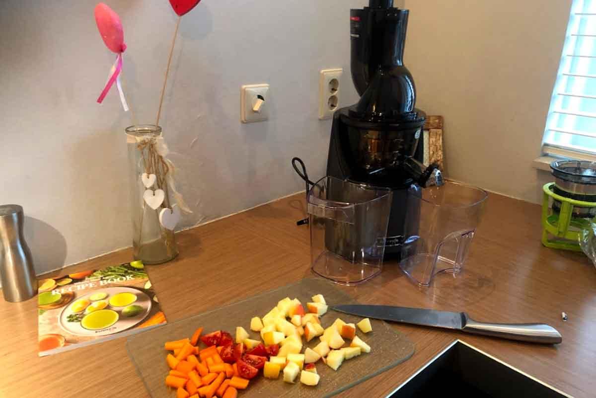 ingredienten slowjuicer klein snijden